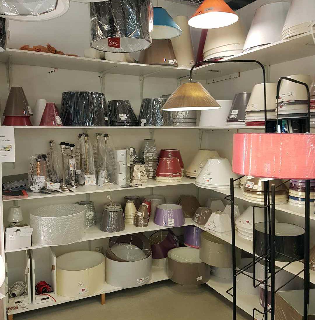 Luminaire solea cahors magasin de luminaire lampes for Decoration et accessoires